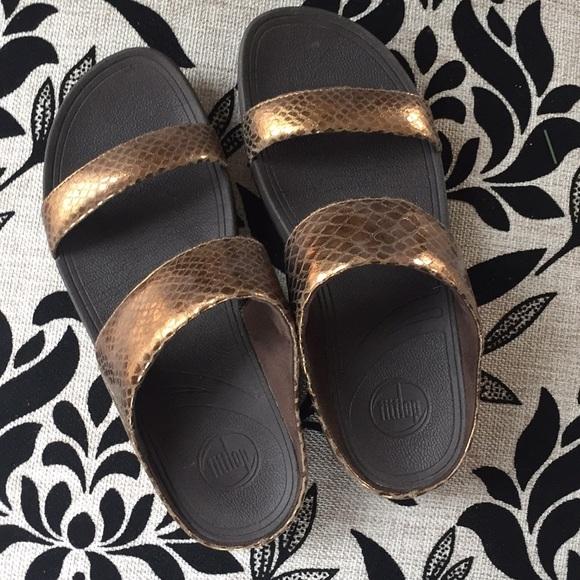 d42a637059ccf Fitflop Shoes - SALE Bronze strappy Fit Flop Lulu sandals 10